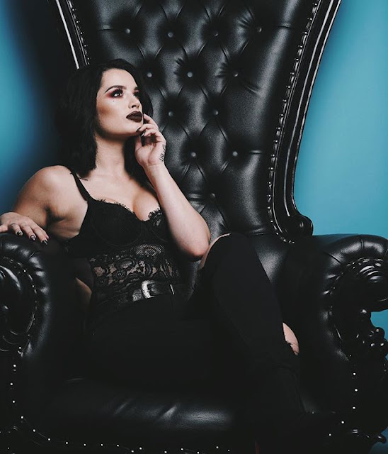 Saraya Bevis Hot & Sexy pics