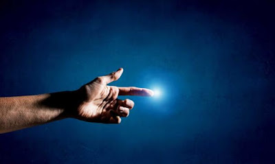 La genesi ci dice che Dio fu il maestro di tutte le forze e creò l'universo.