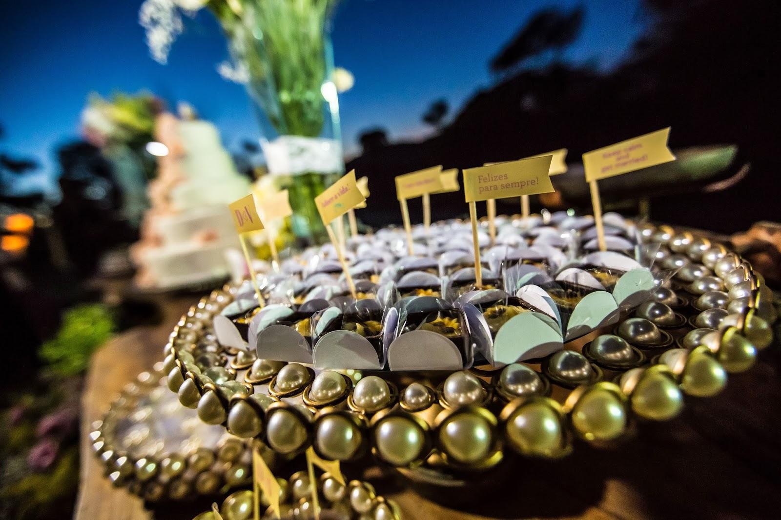 mesa bolo - bolo - doces - casamento de dia - casamento ao ar livre