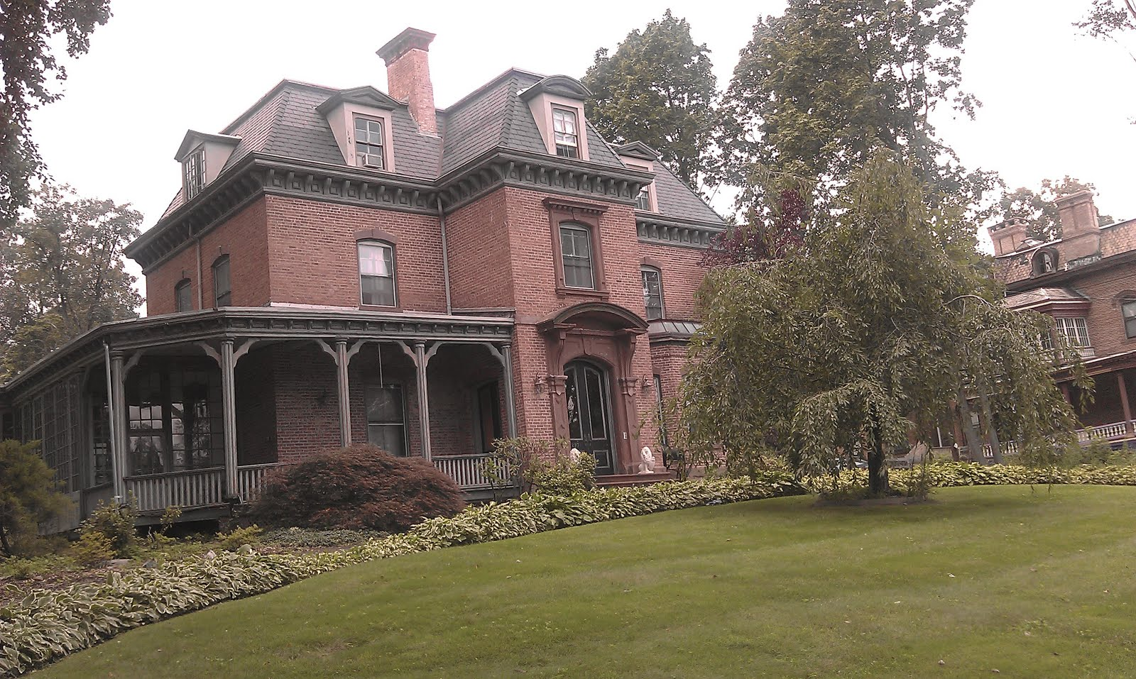 Newburgh Is For Gardeners: MY CRAZY MANSION IN THE GHETTO