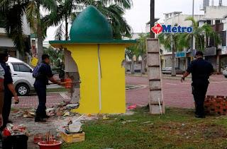 Tokong Menyerupai Kubah Masjid Dirobohkan