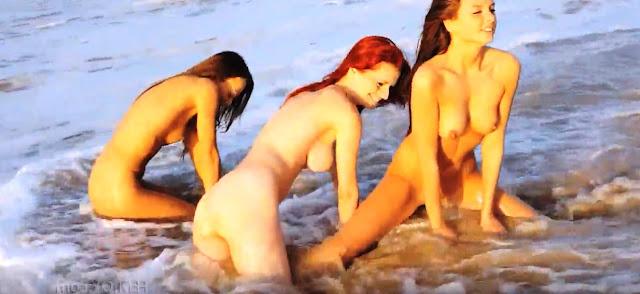 Голенькие девки резвиться на пляже