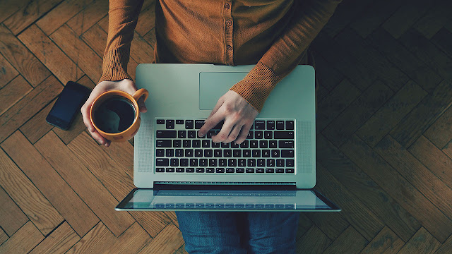 ¿Cómo ganar dinero por internet trabajando de Freelance?