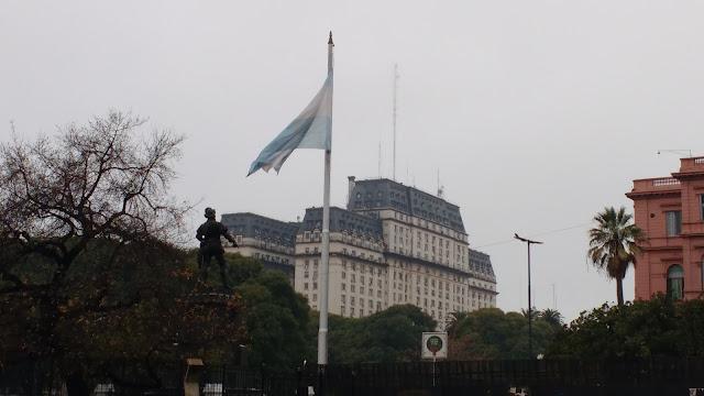 Bandera Nacional y Monumento a Juan de Garay, Buenos Aires