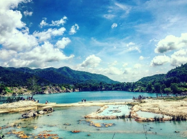 admire stunning beauty of Da Xanh Lake