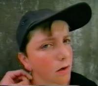 Uma cabeça vazia de um adolescente foi protagonista da campanha de combate às drogas em 1998