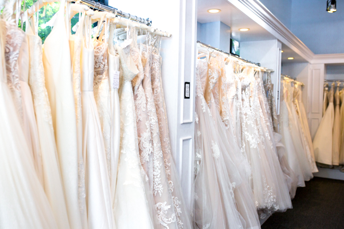 6 Tips For Picking The Perfect Wedding Dress - Chasing Cinderella