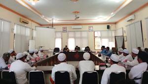 FPI dan DPRD Sepakat Tidak Akan Memperpanjang Toko Moderen di Bangkalan