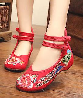 Model sepatu flat ankle strap untuk wanita kaki besar