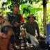 Dekatkan Diri Dengan Masyarakat, Babinsa Koramil 406-07/Jayaloka Lakukan Komsos