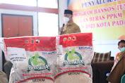 Sumbar Bantu 200 Ton Beras Untuk Kota Padang, Gubernur Mahyeldi Minta Pastikan Semua KPM Menerima Bansos