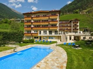 **** Sterne Wander- und Wellnesshotel Wiesenhof in Südtirol