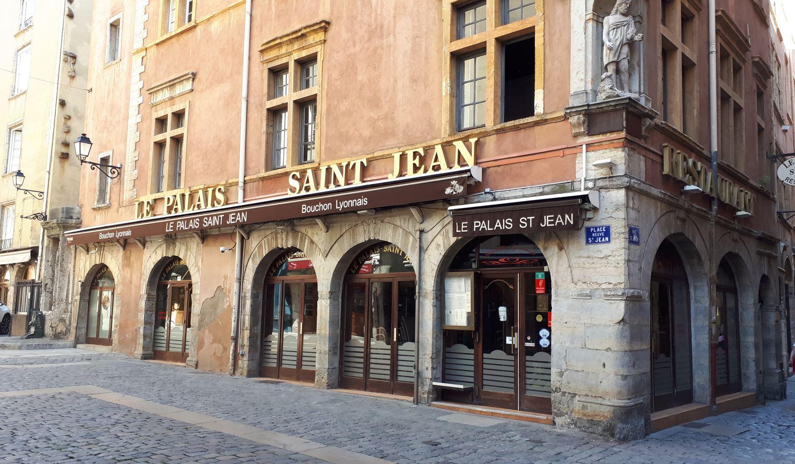 Un restaurant lyonnais dans le vieux-Lyon - Quartier très touristique