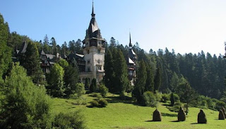 How much does a night of accommodation in a Romanian holiday castle costs