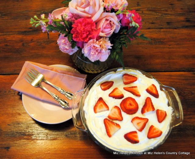 Old Fashioned Strawberry Pudding at Miz Helen's Country Cottage