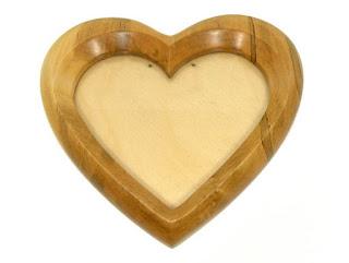 قلوب على شكل خشب
