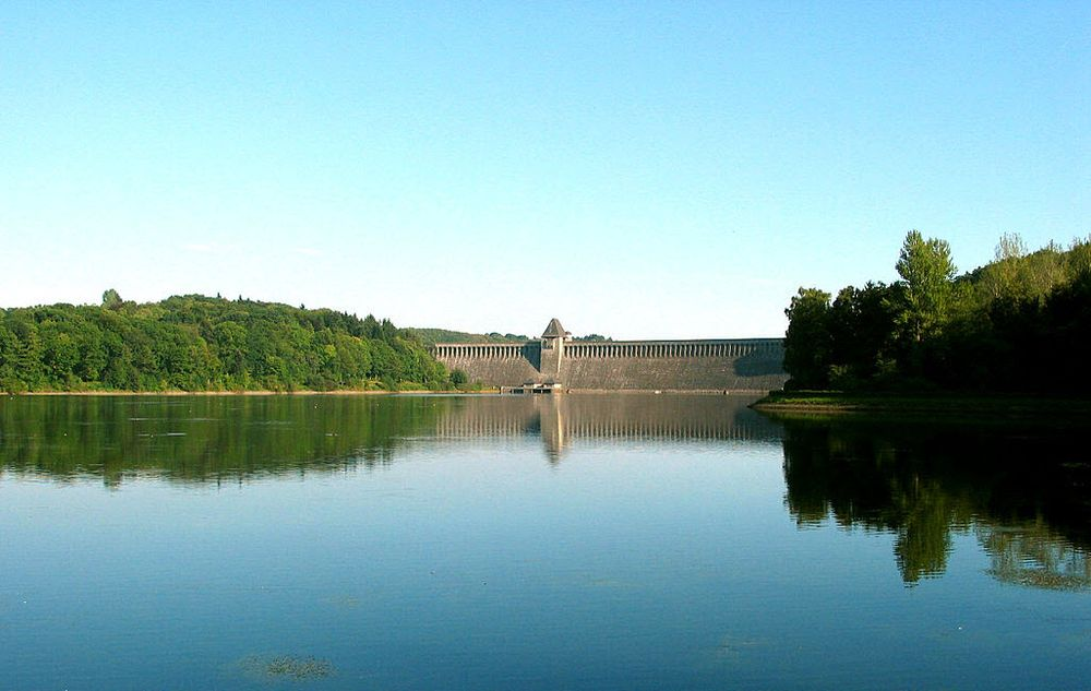 The Möhne dam and reservoir