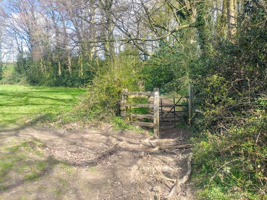 Footpath on Walk 124: Weston SW Loop