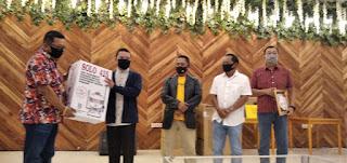 NEW NORMAL, PMI  Bantu Alat Semprot dan Cairan Desinfektan ke Pondok Pesantren
