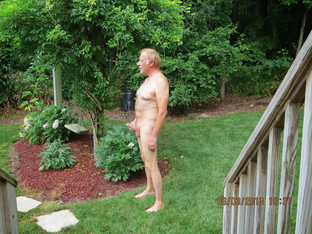 Naked Outside Videos 25