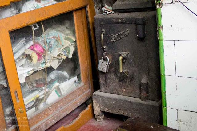 Old Locker at Adi Haridas Modak Mistanna Bhandar