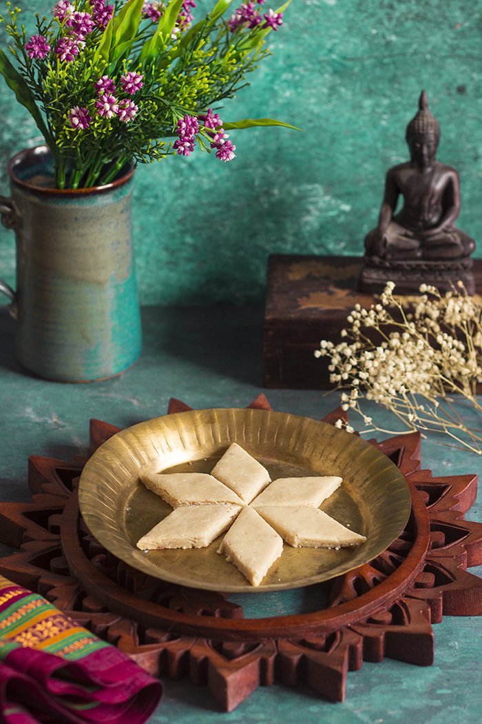 kaju barfi recipe, Indian cashew fudge