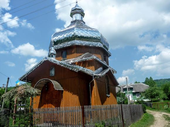 Сукіль. Церква Різдва Пресвятої Богородиці. 2013 р. УГКЦ