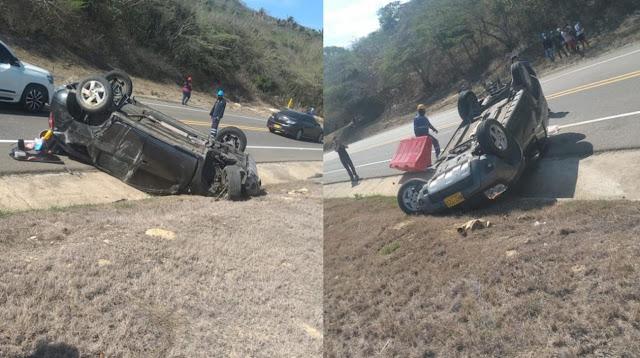 Una avispa picó a conductor de vehículo: perdió el control y el automotor se volcó
