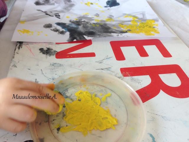 || Activité : Peindre un ciel étoilé, avec des marrons (L'art est un jeu d'enfant # 9)