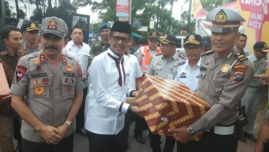 Gubernur Irwan dan Kapolda Tinjau Pos PAM Lebaran
