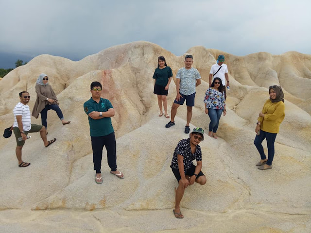 Gurun Pasir Bintan dan Danau Biru Busung Bintan