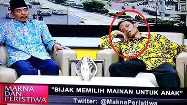 Tidak Ada yang Berani Bangunkan Sumanto Saat Tertidur di Acara Live Talk Show