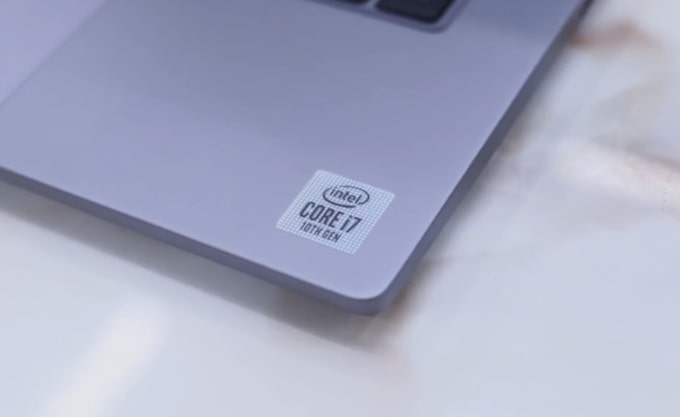 The surface of this Mi Notebook 14 Horizon is not fingerprint magnet.