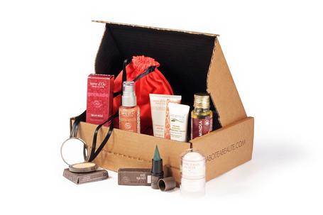 blackbeautybag blog beaut blog beaut noire brown essentielles la beauty box pour les. Black Bedroom Furniture Sets. Home Design Ideas