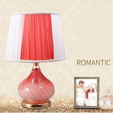 Trọn giấc ngủ với những mẫu đèn bàn trang trí phòng ngủ đẹp mắt