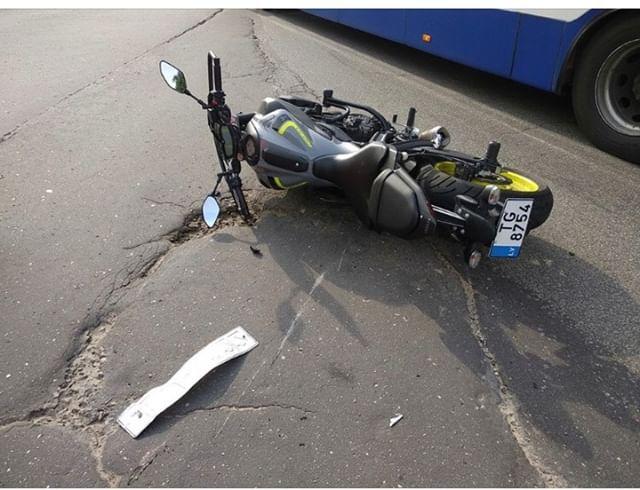 Zolitūdē notriekts motocikls
