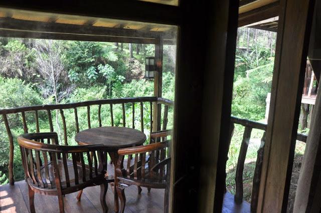 GRAFIKA CIKOLE | Penginapan Outbound Konsep Hutan di Lembang