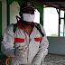 Peduli Warga, Wakil Rakyat Aru Turun Semprot Cairan Disinfektan
