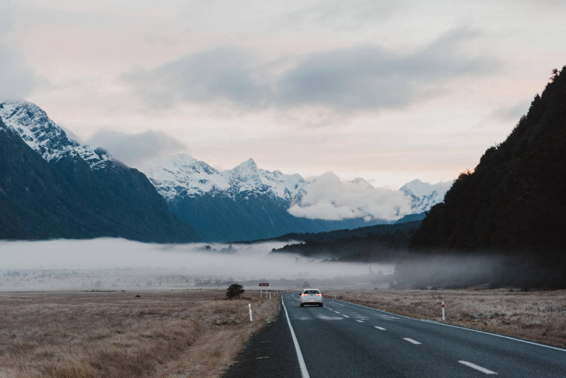 Exploring New Zealand by Car: 5 Tips and Tricks You Should Know