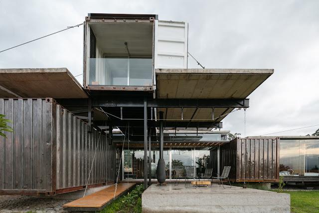 Casa RDP - Shipping Container Industrial Style House, Ecuador 12