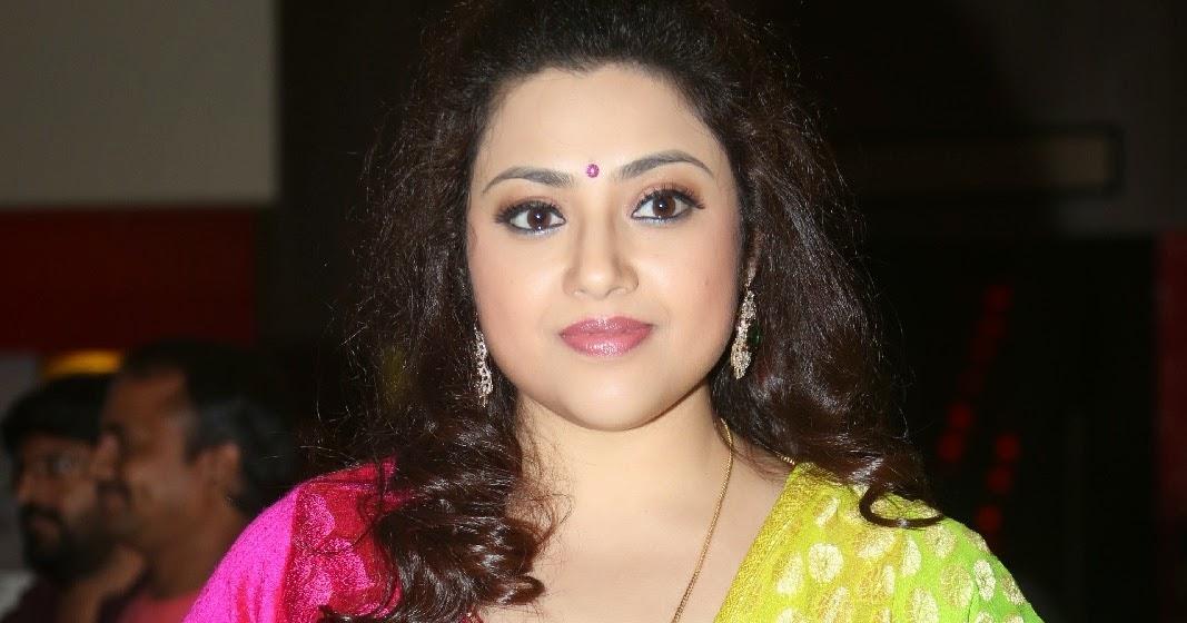 Actress meena sexiphotos #10
