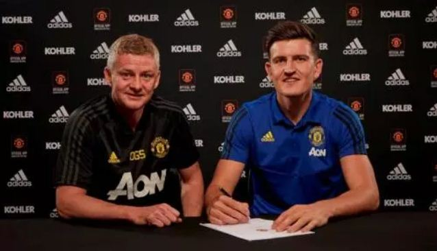 Manchester United Resmi Rekrut Harry Maguire