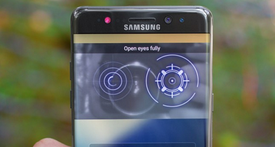 Samsung Galaxy S8 Gunakan Miliki Kamera Depan Berfitur AF dan iris Recognition