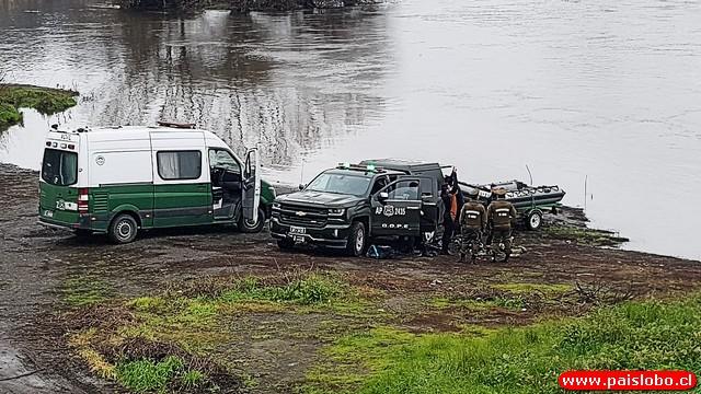 🚨Osorno: Buscan a conductor en el río Rahue tras incendio de camioneta