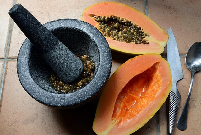 Start Eating Papaya Seeds Right Now – They Are a Magical Cure For Gut , Liver, Kidney And For More Other Diseases