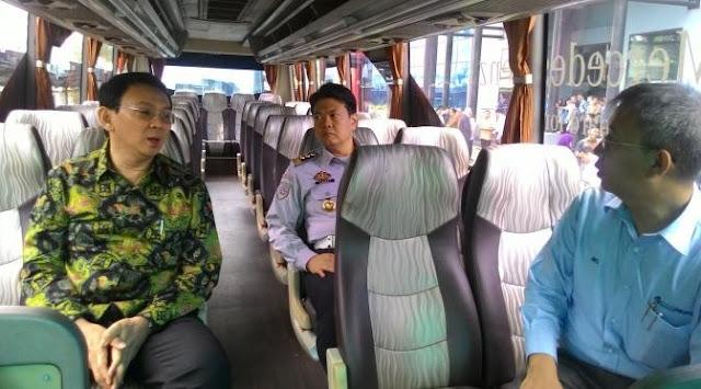 Gubernur Ahok Mengajak Mercedes Ikut Produksi Bus Transjakarta