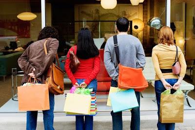 pengertian definisi arti perilaku konsumen consumer behavior menurut para ahli jenis macam kegunaan manfaat peran fungsi pemasaran tips trik strategi marketing sukses efektif berhasil
