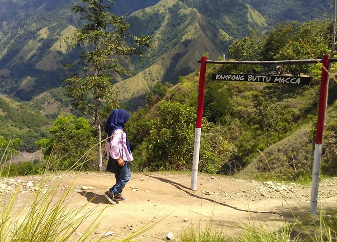 Pintu masuk Kampong Buttu Macca, sumber gambar: Merdeka.com