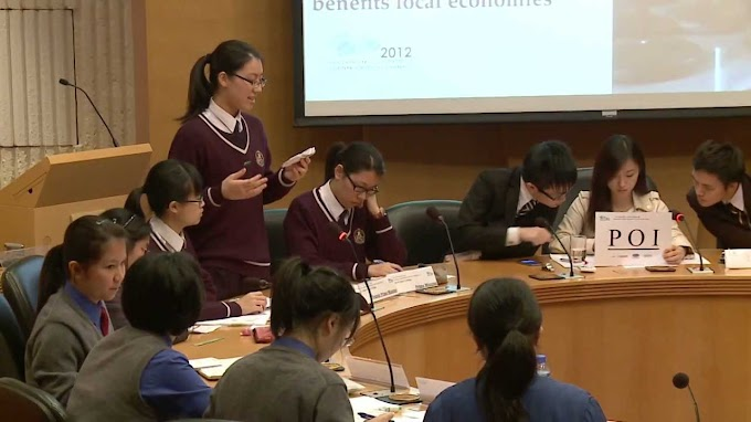 Apa Tugas Moderator Debat dalam Sebuah Rapat dan Diskusi?