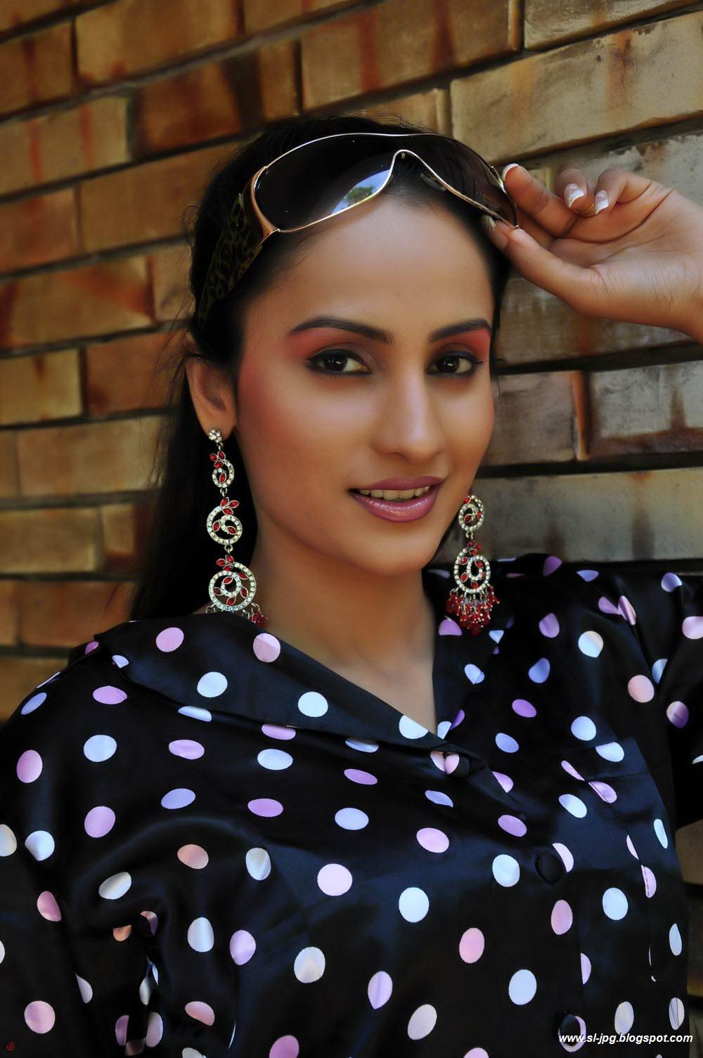 Srilankan Actress Sri Lankan Actress Oshani Dias Hot Photos-7926